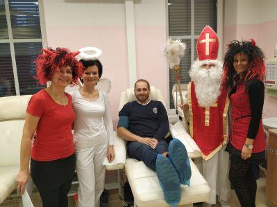 Mikulášská nadílka čekala na dárce Transfúzní služby Šumperk