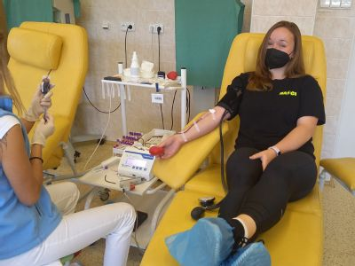 Dobrovolní hasiči z Bruntálska pomáhají také dárcovstvím krve. Do AGEL Transfúzní služby přijeli na jubilejní 10. hromadný odběr